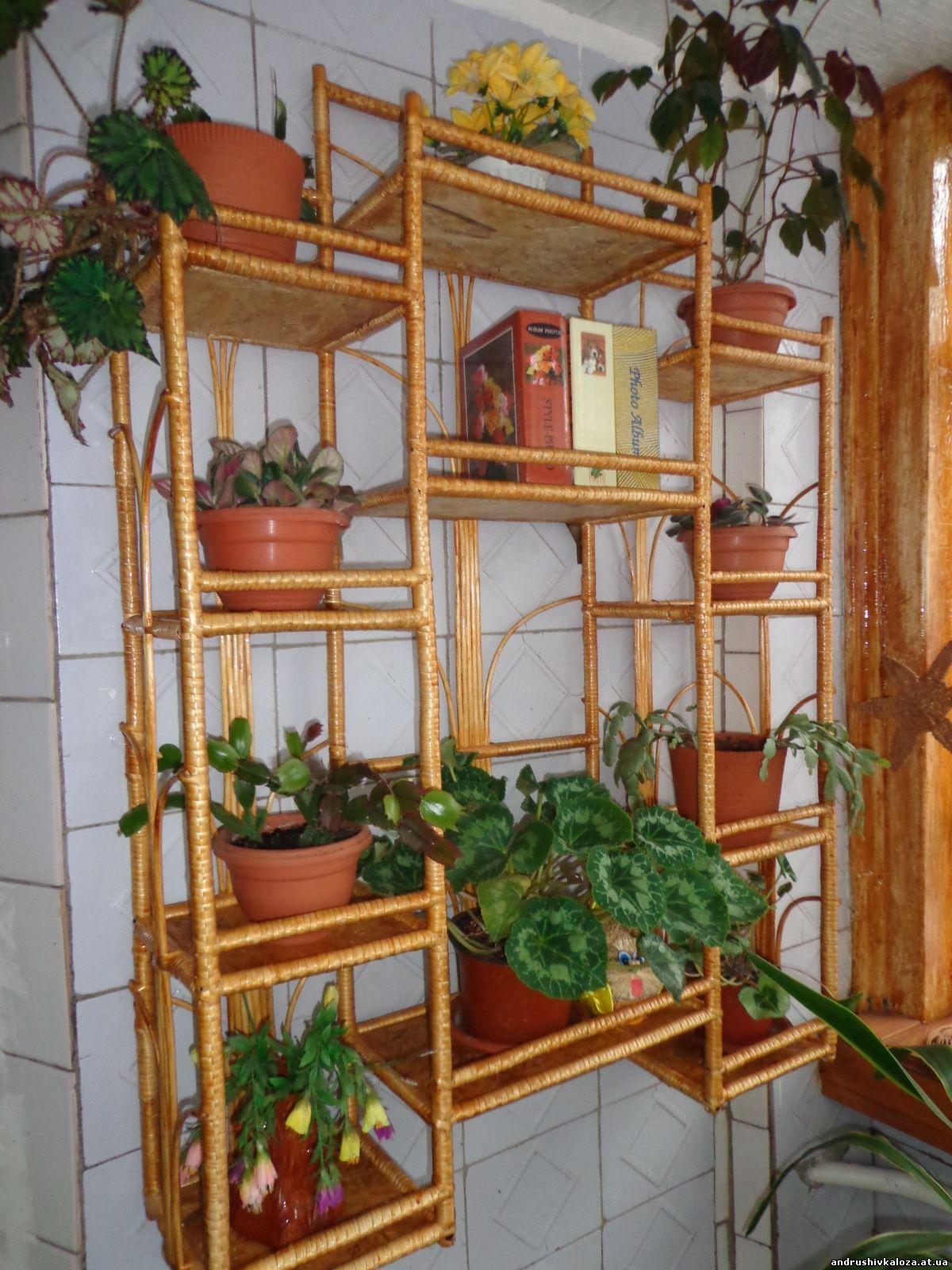 Фото деревянных полок для цветов